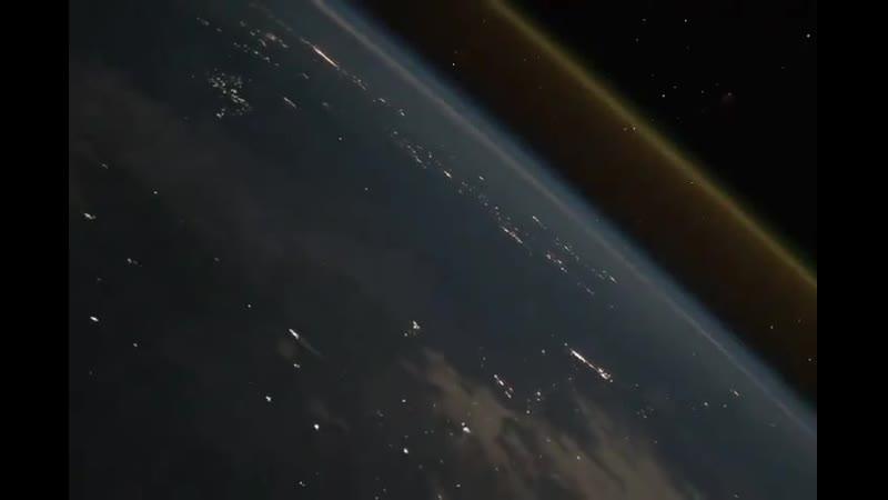 Немного видов с МКС запуск ракеты с Земля и вид на Луна космос наука Подписывайтесь на нашу группу Архивная публикац