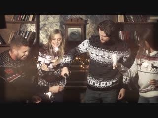 Праздничные, веселые свитера с оленями! примерь на себе дух рождества и подними всем настроение!