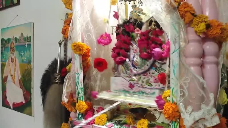ДЖУЛАНА ЯТРА 1 день фестиваль качелей джая Радха Шьямасундара 30 июля 2020 г