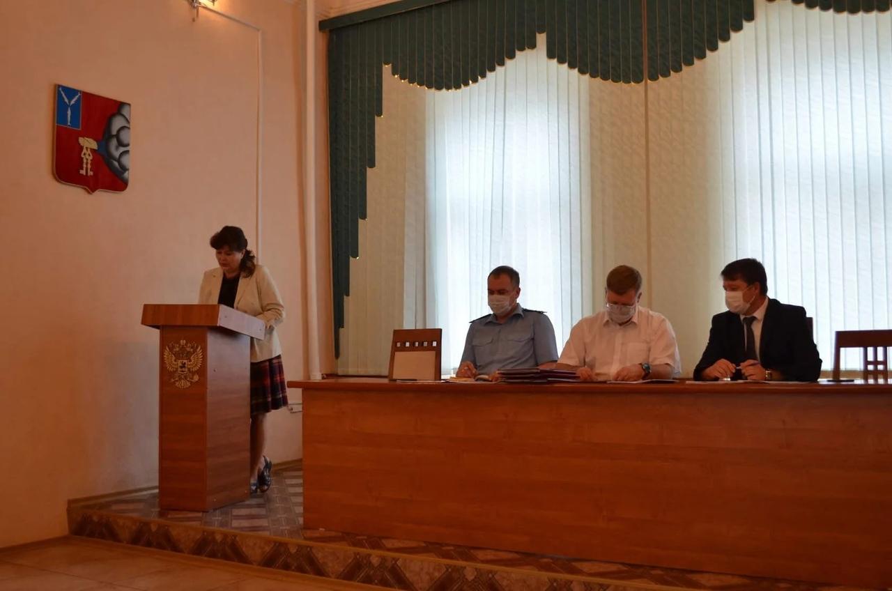 В администрации района прошло заседание комиссии по снижению неформальной занятости