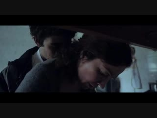 После смерти отца сын начинает трахать свою мать (фильм об инцесте, ебет маму, дает сыну себя трахать)