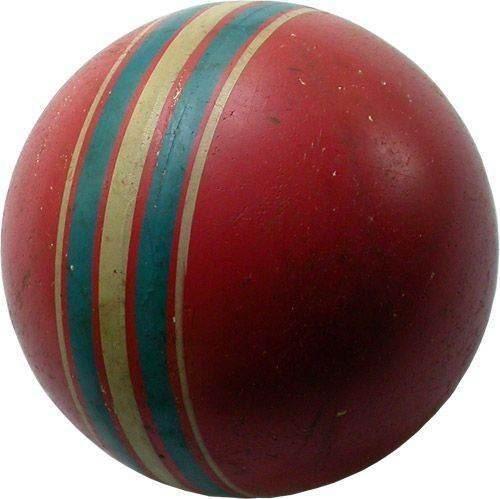 Резиновый мячик В СССР любили штамповать вещи миллионами. Точно такой же мяч был у меня в детстве и у миллионов других мальчишек и девчонок. И все были