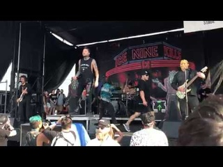 Ice Nine Kills - Hell In The Hallways (ft Chelsea Grin) Live Warped Tour 7/28/2018 Long Island NY