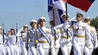 СМОТРИТЕ Как Встречают РУССКИХ моряков в Греции!