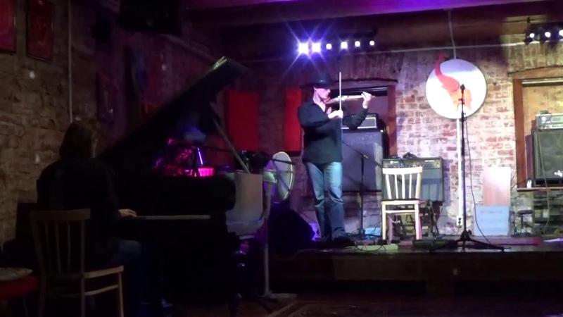 Иван Розмаинский Roz Vitalis и Дмитрий Шишкин Лисокис исполняют кавер на нетленку King Crimson