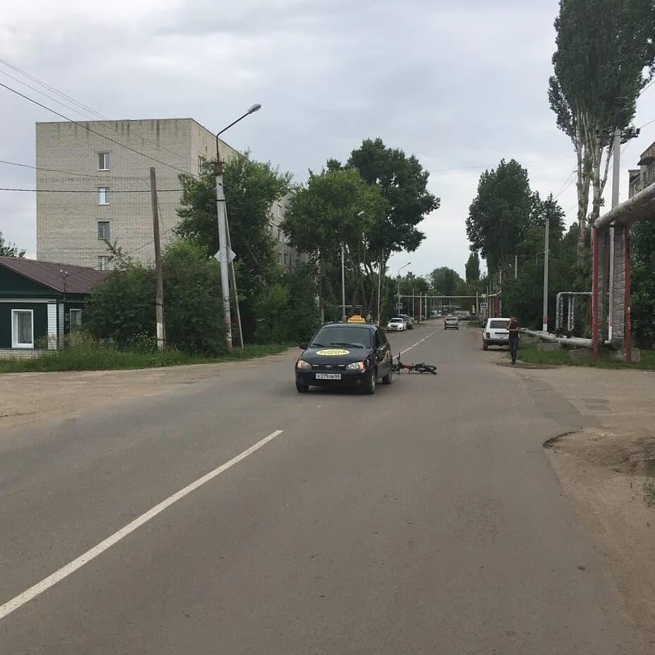 В Петровске под колёса легкового автомобиля попал девятилетний велосипедист