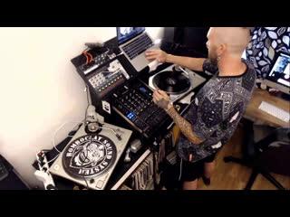 Vinyl Therapy #012 Techno Tanzen