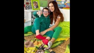 Сын Эвелины Бледанс рассказал о своих успехах в школе и спел милую песенку маме.  Новые видео 2021