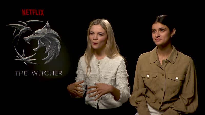 Аня Чалотра Генри Кавилл и Фрейя Аллан дают интервью каналу BBC Radio 1