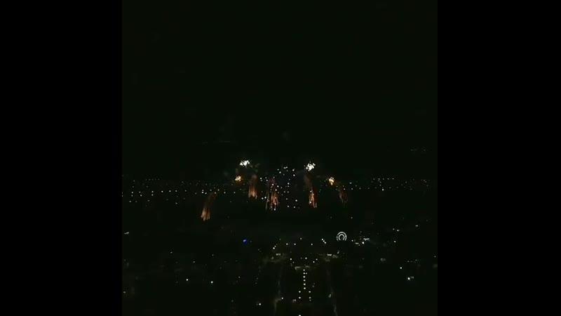 Праздничный салют 9 мая С Днём Победы ⠀ Фото 📸 @ vitaliy kuzmichev ⠀ невинномысск кочубеевское пятигорск кисловодск черке