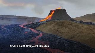 Erupción volcánica en Islandia atrae a turistas