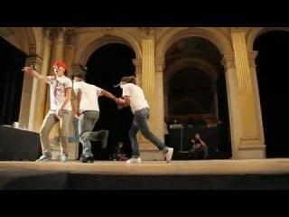 люблю по накуре смотреть ...dance mix, hip-hop shuffle Cwalk Clown walk Efest Lyric Not Enough I'm Sorry cripwalk footwork p