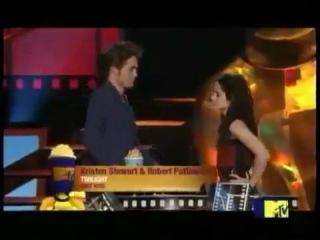 Robert Pattinson and Kristen Stewart win BEST KISS at MTV Movie Awards 2009