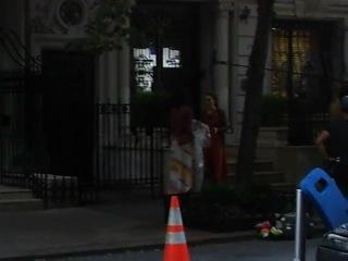 Leighton Meester filming scene of Gossip Girl - 17 August