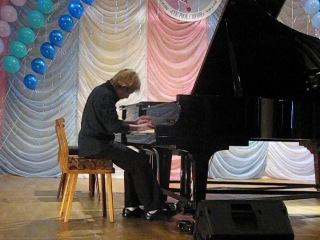 Вова Праслов 5 кл. Выступление на VIII Международном фестивале-конкурсе фортепианной музыки композиторов стран Баренц-региона Северное сияние