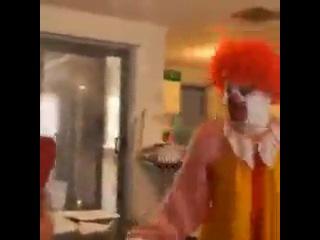 Ronald McDonald Freaks Out (Vine)