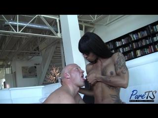 [Pure-TS] TS beauty Salina Samone feeds Christian her milk_1080p