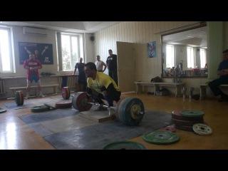 Дмитрий Клоков балуется со 195 кг