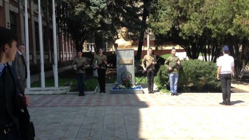 Смена караула у памятника В.С. Нежнову