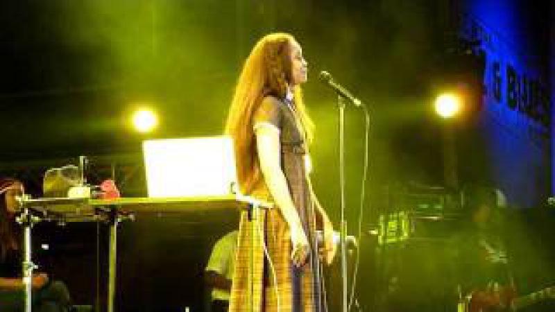 HD Erykah Badu Didn't Cha Know Believe in Yourself live @ Nova Jazz Festival Wiesen 2011