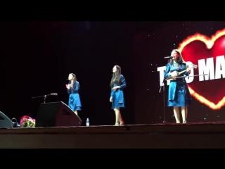 Грузинка [საქართველო] Грузинские девушки выступили с концертом в Москве. Красивые, милые грузиночки поют на чеченском  от души ♥