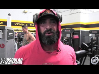 Guy Cisternino Trains Biceps