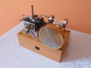 Модель четырехтактного двигателя №2 / Model four-stroke engine №2
