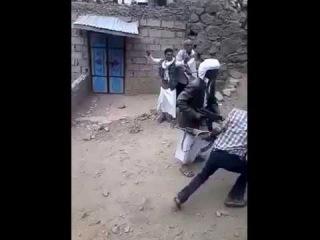 Йемен. +18 Наказание убийцы через два часа после совершения преступления.
