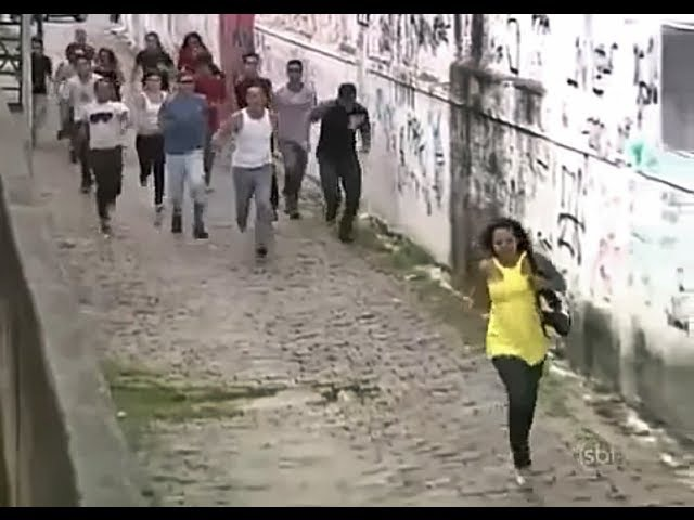 Jogar Vitima Para o Alto - Pegadinha Silvio Santos ( Prank Throwing people to the High )