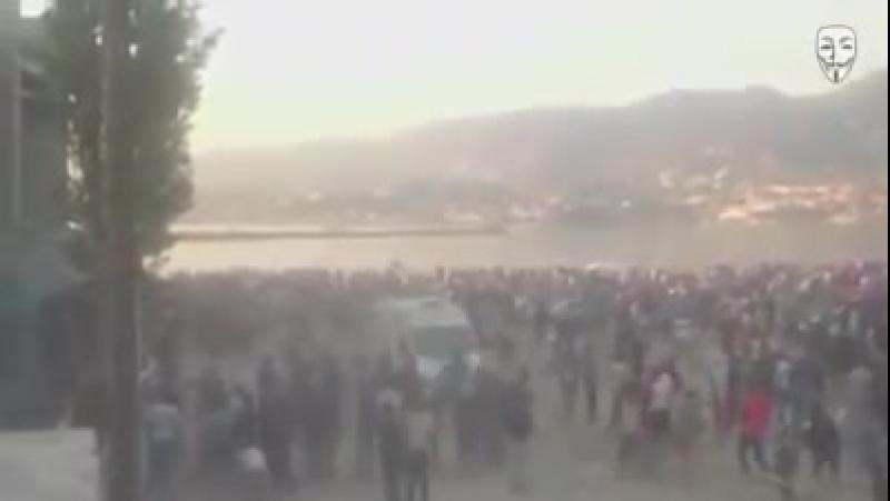 Griechenland_ Blutiger Straßenkrieg zwischen Einheimischen und Asylsuchenden