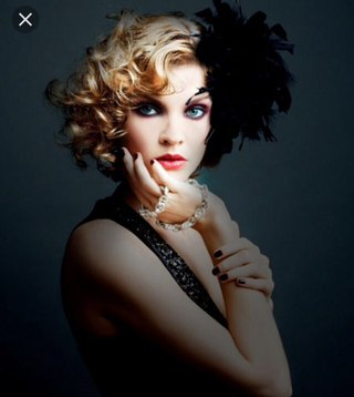 flapper hairstyles for curly hair - 724×840