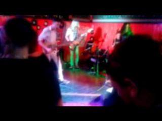 Bad Feelin' - I Bet You Look Good On The Dancefloor (Arctic Monkeys cover)