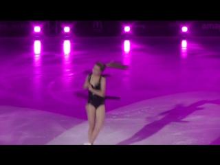 Music on Ice 2017 Elena Radionova - Crazy In Love