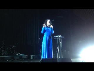 Lorde writer in the dark (live @ berlin, tempodrom, melodrama world tour)