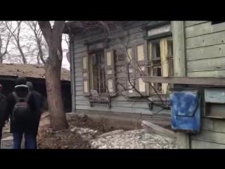 В центре Омска хотят снести дом, в котором находятся люди