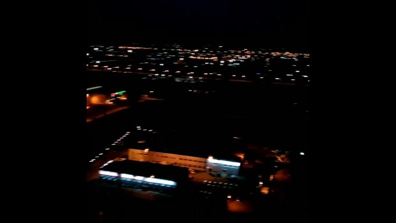 Я вернулась из отпуска, белые ночи на подходе, волшебные огни города приветствуют меня 🔭🌛 Люблю вид из своего окна 😍