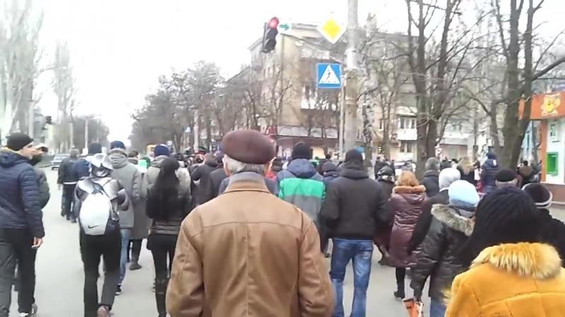 Краматорск 1 марта 2014 Начало шествия Русвесна Дмитрий Лозунг