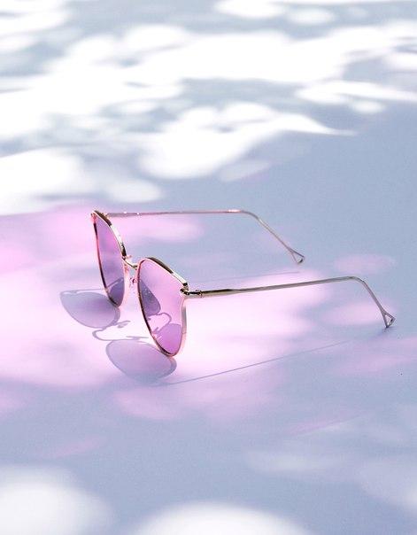 Очки с зеркальными стеклами в стиле 'Кошачий глаз'
