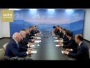 Встреча президента РФ Владимира Путина с вице премьером Госсовета КНР Ван Яном на полях ВЭФ 2017