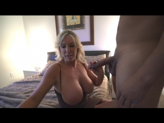 Chatroulette fit girl cums hard with sound