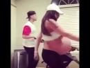 Беременная покорила интернет своим танцем!