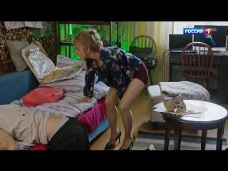 Виктория Клинкова в телесных колготках