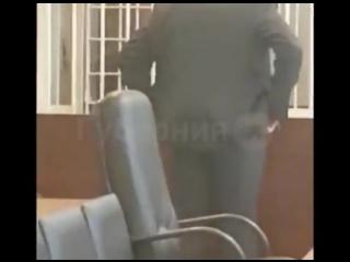 Обвиняемые в расправе над маленькой девочкой держались за руки и смеялись в суде