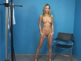 Полный осмотр женщин мужчинами, solo, webcam вебкамера, нудисты, нудистка, голая и раздетая