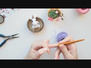 Способ крепления гривы или волос для вязаной игрушки