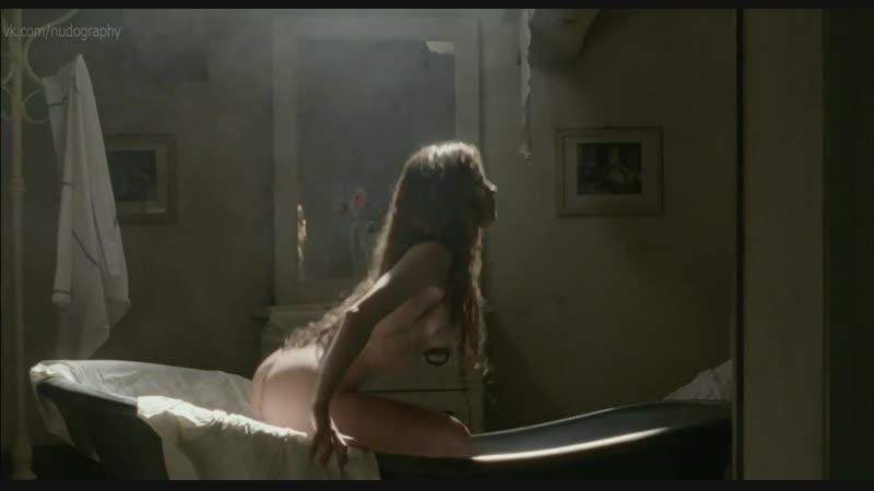 Джулия Гориетти (Giulia Gorietti) голая в сериале Тайны Борго Ларичи (I segreti di Borgo Larici, 2014) s01e04 HD 1080p