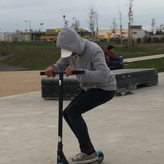 """Out_crew on Instagram: """"🔥 ROTOR X FULL❄️ 🌊 @enzobriault 🌊 #undialed #undialedtv #scootscootbangbang #scooter #scootering #scootbible #scootertricks..."""