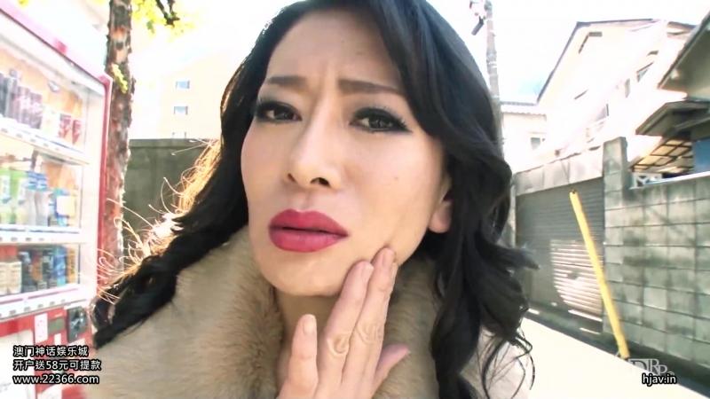 Зрелая мамаша японка хочет молодых членов (100115 377) Rei Kitajima,