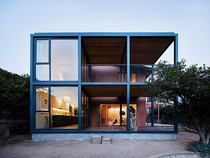 productora, a mexico-city-based architecture studio, has completed a residential extension for a 1920s bungalow home in the echo park area of los angeles.