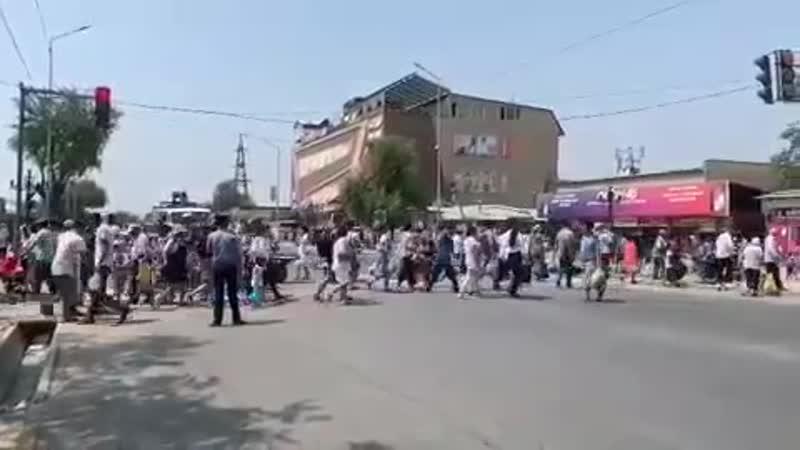 Полиция қызметкерлерi халықты жол қозғалыс ережелерiн сақтауға шақырады